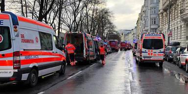 Zimmerbrand in Wien: 15 Personen im Krankenhaus