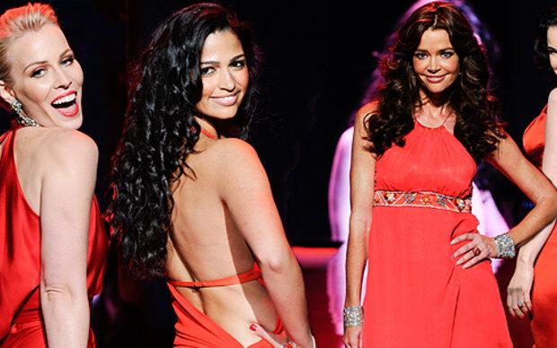 N.Y. Fashion Week sieht Rot