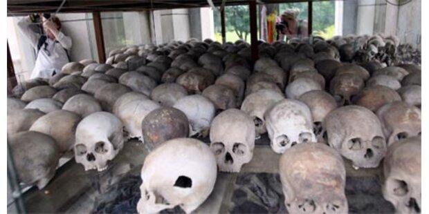 Rote Khmer-Folterer gesteht Baby-Morde