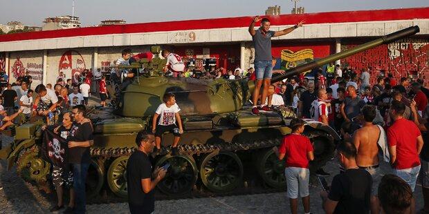 Roter Stern Belgrad provozierte mit Panzer-Jubel