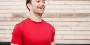 Darum sollten Sie sich ein rotes T-Shirt kaufen