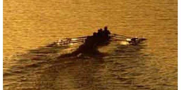 Ruderer retten Piloten aus Irischer See
