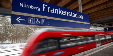 Haftstrafen für tödliche Stöße ins S-Bahngleis