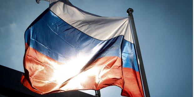 Russische Botschaft von Granaten getroffen