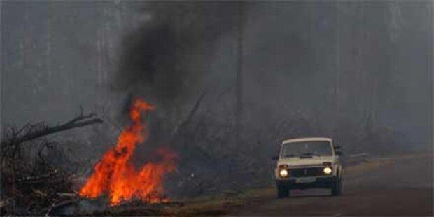 Russland dämmt Feuer weiter ein