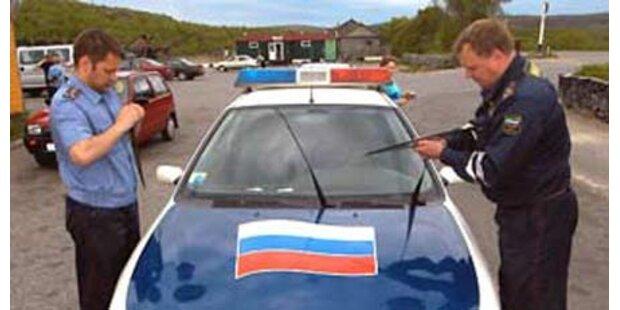 Russische Polizei prügelt Mann tot