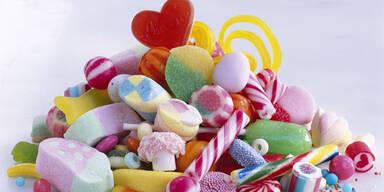 Finger weg von knallbunten Süßigkeiten
