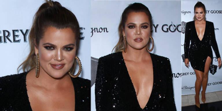 Khloe Kardashian im knappen Glitzer-Kleid