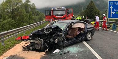 Eine Tote und drei Verletzte bei Frontal-Crash in Kärnten