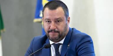 Italienischer Innenminister wünscht Rechtsextremen viel Glück