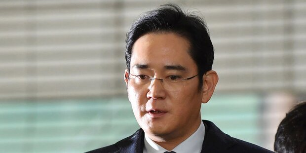 Samsung De-facto-Chef Lee kommt frei