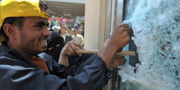 Demonstranten stürmen US-Botschaft im Jemen