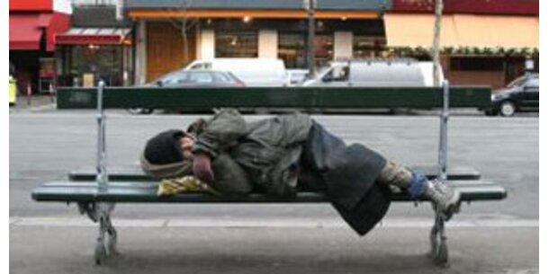 Armutsgefährdung beginnt bei 893 Euro im Monat