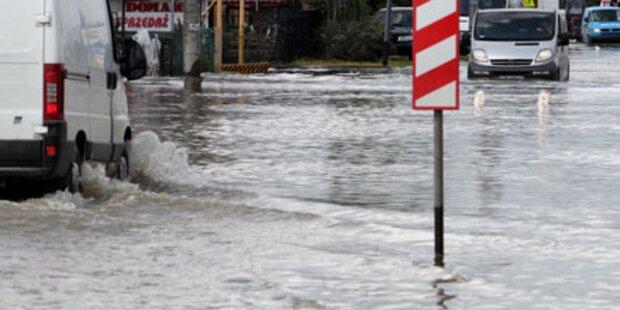 Deich bricht: Polnische Stadt überflutet