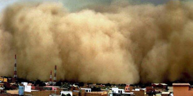 Sturm fegt über Ostindien - 60 Tote