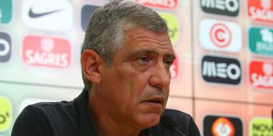 Portugal-Coach haut auf den Tisch