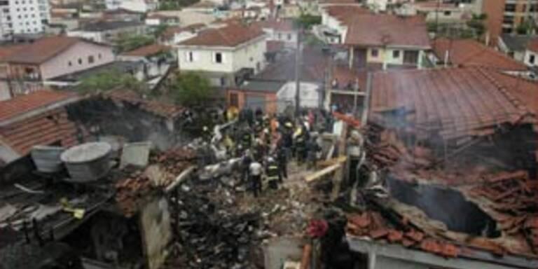 Acht Tote bei Flugzeug-Crash in Sao Paolo