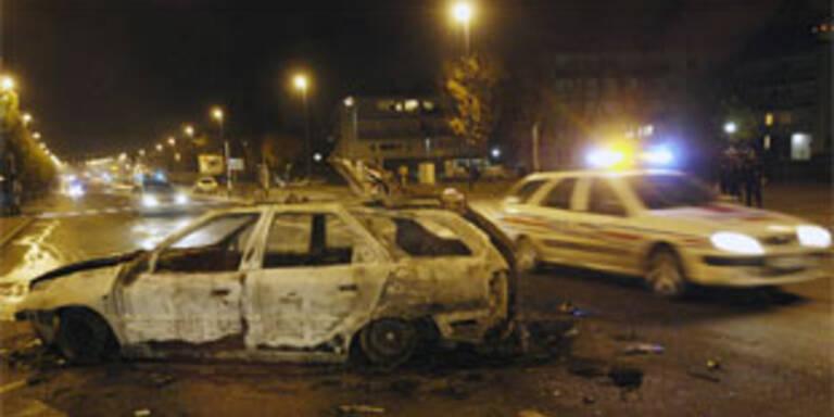 Jugendliche attackierten Polizeiwache nahe Paris