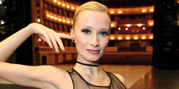 Nackt-Bann für Ballerina beendet