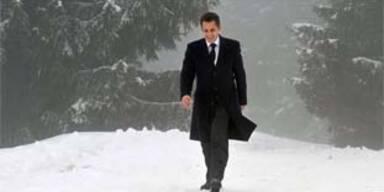 Sarkozy bildet Regierung um