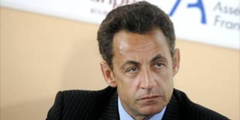 Sarkozy holt sieben Europäer aus dem Tschad nach Hause