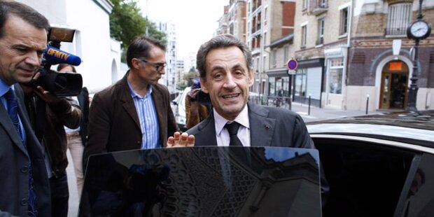 Sarkozy entgeht Prozess und schielt auf Comeback