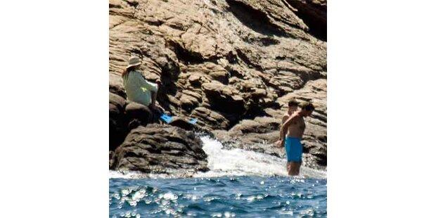 Sarkozys auch im Urlaub nicht vor Paparazzi sicher