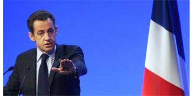 Sarkozy verteidigt Besuch von Gaddafi