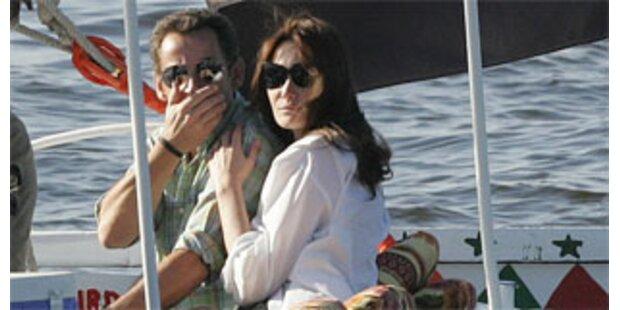 Sarkozy turtelt mit Freundin in Ägypten