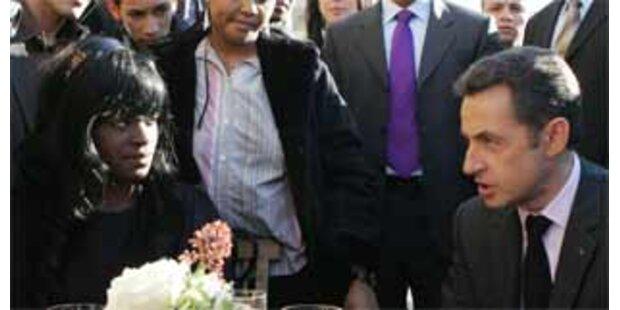 Sarkozy will mehr Polizei in den Vorstädten