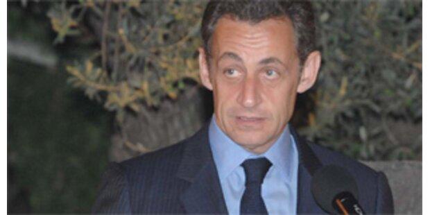Sarkozy verärgert weibliche Abgeordnete mit Krawatten