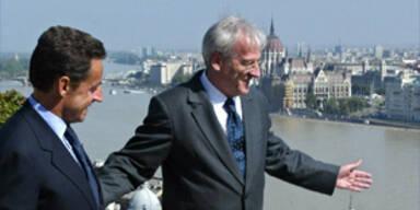 Sarkozy bricht Gespräch in Ungarn ab