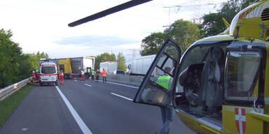 A4-Sperre nach Sattelschlepper-Unfall