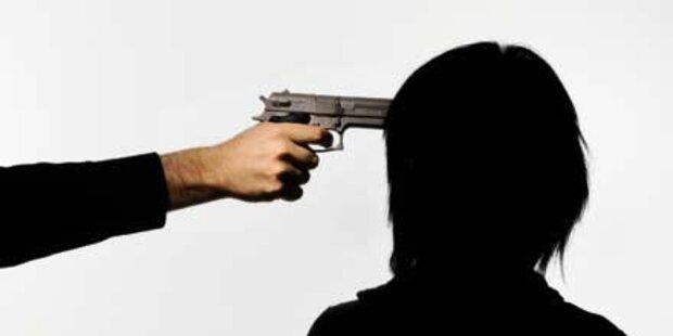 Mit Pistole ein Handy erpresst