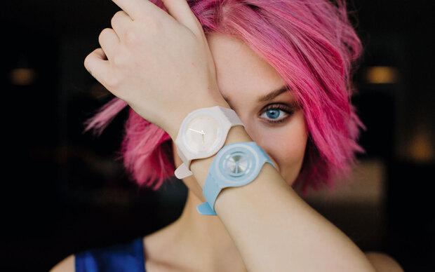 Swatch Skin: Der hauchdünne Klassiker erlebt einen Relaunch