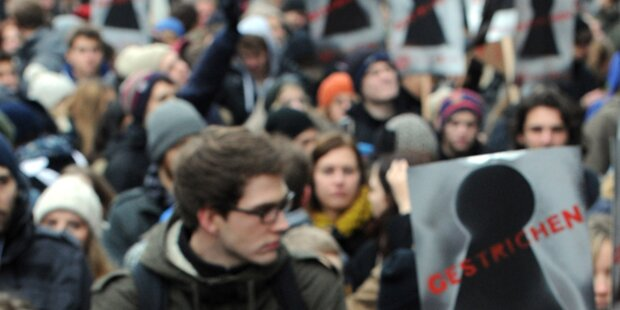 150 Schüler demonstrieren gegen Zentralmatura