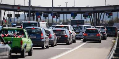 Verkehrschaos: EU-Grenzkontrollen ausgesetzt
