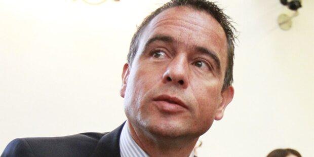 Polit-Streit um Scheuch-Rücktritt
