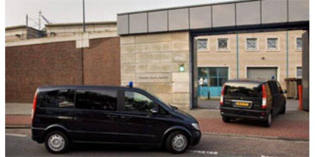 Gefängnis in Den Haag zwischen Villen und Dünen