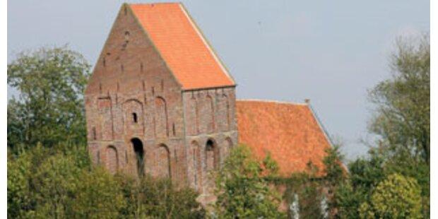 Schiefster Turm der Welt steht in Ostfriesland