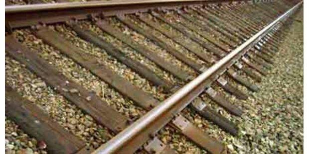26-Jähriger in NÖ von Zug erfasst