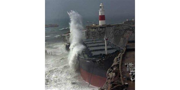 Zwei Frachter vor Spanien auf Grund gelaufen