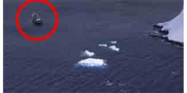 Kreuzfahrtschiff in Antarktis in Seenot