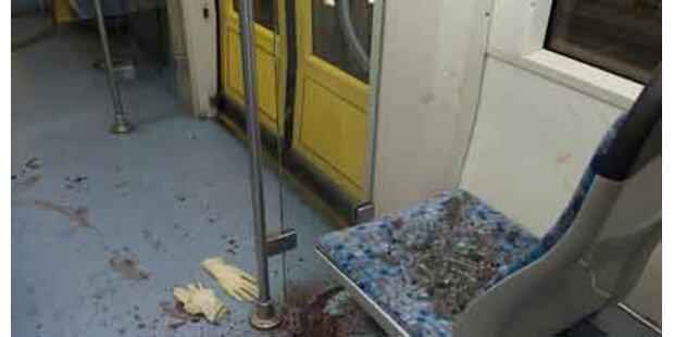 Zwei Schüler wurden aus Tram geprügelt