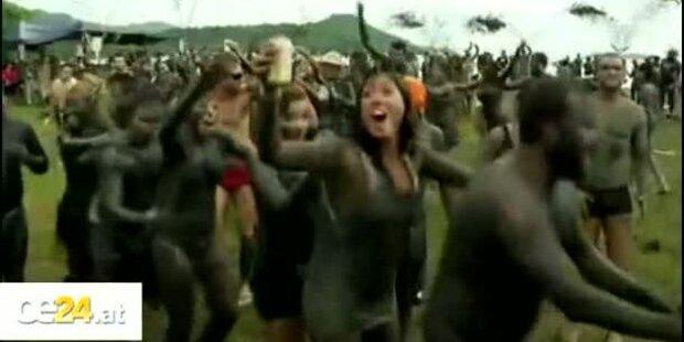 Sexy Karnevals-Schlammschlacht
