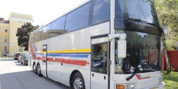 Schlepperbande kam mit dem Reisebus