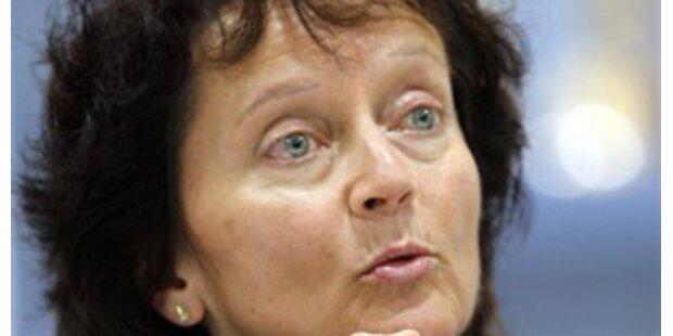 Widmer-Schlumpf tritt Nachfolge Blochers an