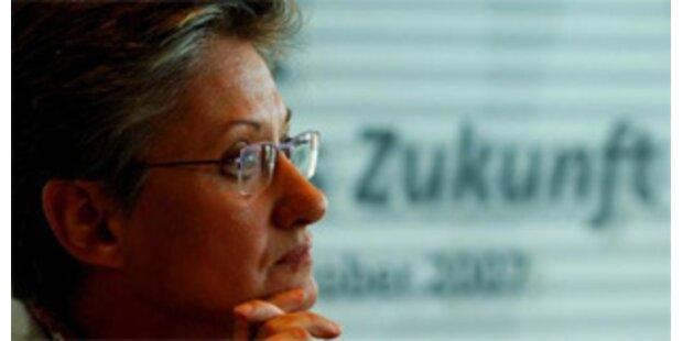 Bildungsministerin Schmied startet neue Offensive