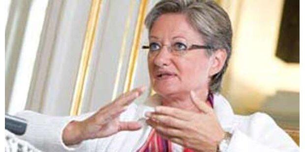 Schmied will All-in-Verträge für Lehrer