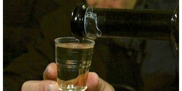 Zehnjähriger landet mit Alk-Vergiftung in Spital